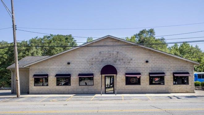 Crusens Farmington Road, 2117 W. Farmington Road, West Peoria.