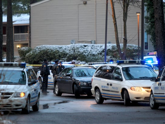 January 22, 2016 - Memphis Police respond to the scene of a fatal shooting at the Sycamore Lake Apartments, located near the intersection of Sycamore View and Raleigh-LaGrange Road. (Nikki Boertman/The Commercial Appeal)