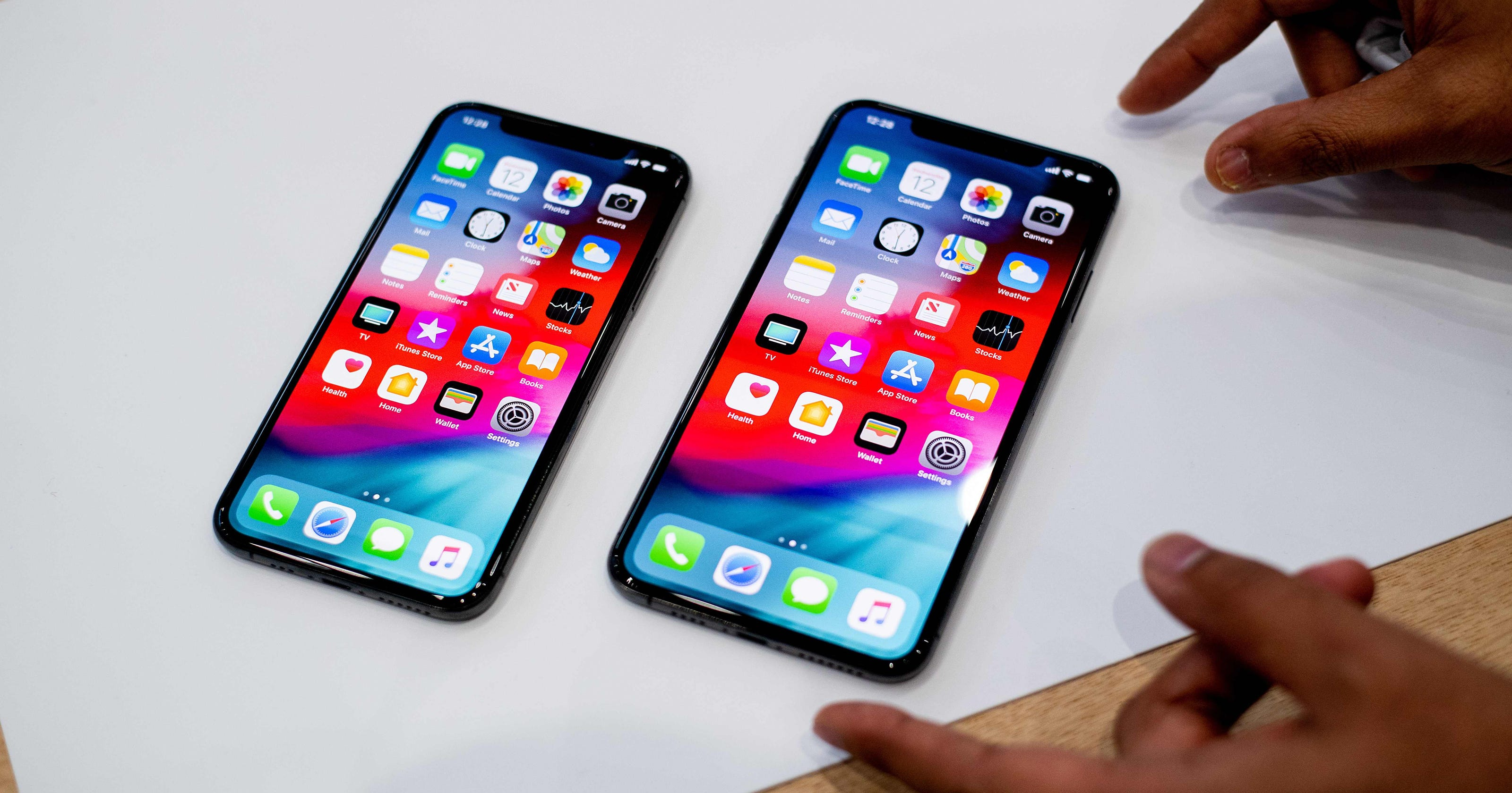 iphone xs and iphone xs max pricing what are the best. Black Bedroom Furniture Sets. Home Design Ideas