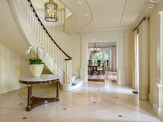 A North Dallas mansion that was the set for the elegant