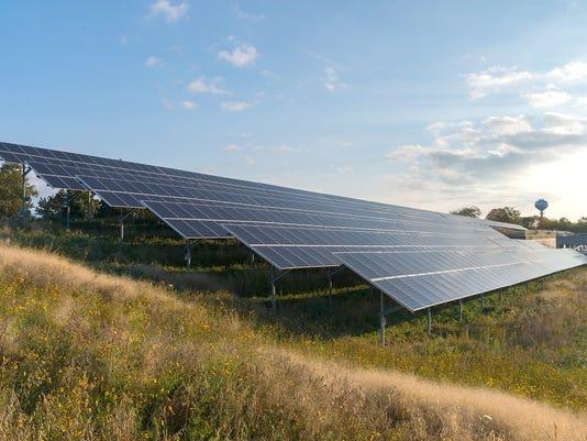 635946170838734607-DTE-Solar-Panel.jpg