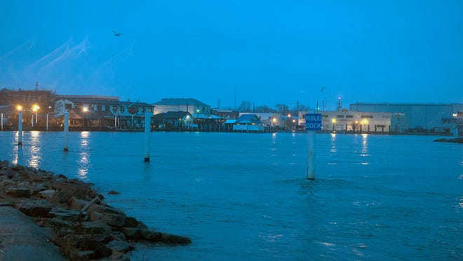 Port Clinton saw rainy, windy and chilly weather on Wednesday. The rain was expected to turn to snow overnight and an one to three inches of snow was estimated to fall on Thursday.