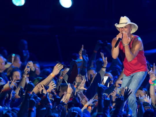 Kenny Chesney performs Saturday at Miller Park in Milwaukee.