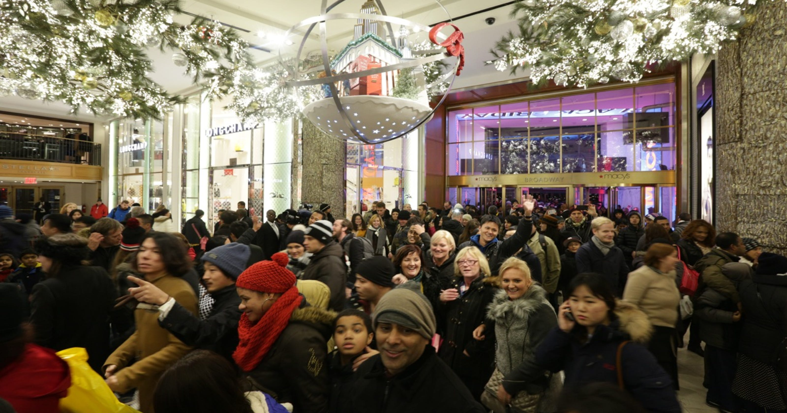 6d6a28f15 Record crowd shops Macy s Herald Square store