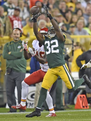Green Bay Packers safety Chris Banjo nearly makes an interception against the Kansas City Chiefs at Lambeau Field on Monday, Sept. 28, 2015.