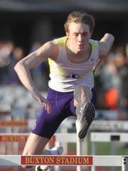 Indianola's Max Cleveland runs the anchor leg of the