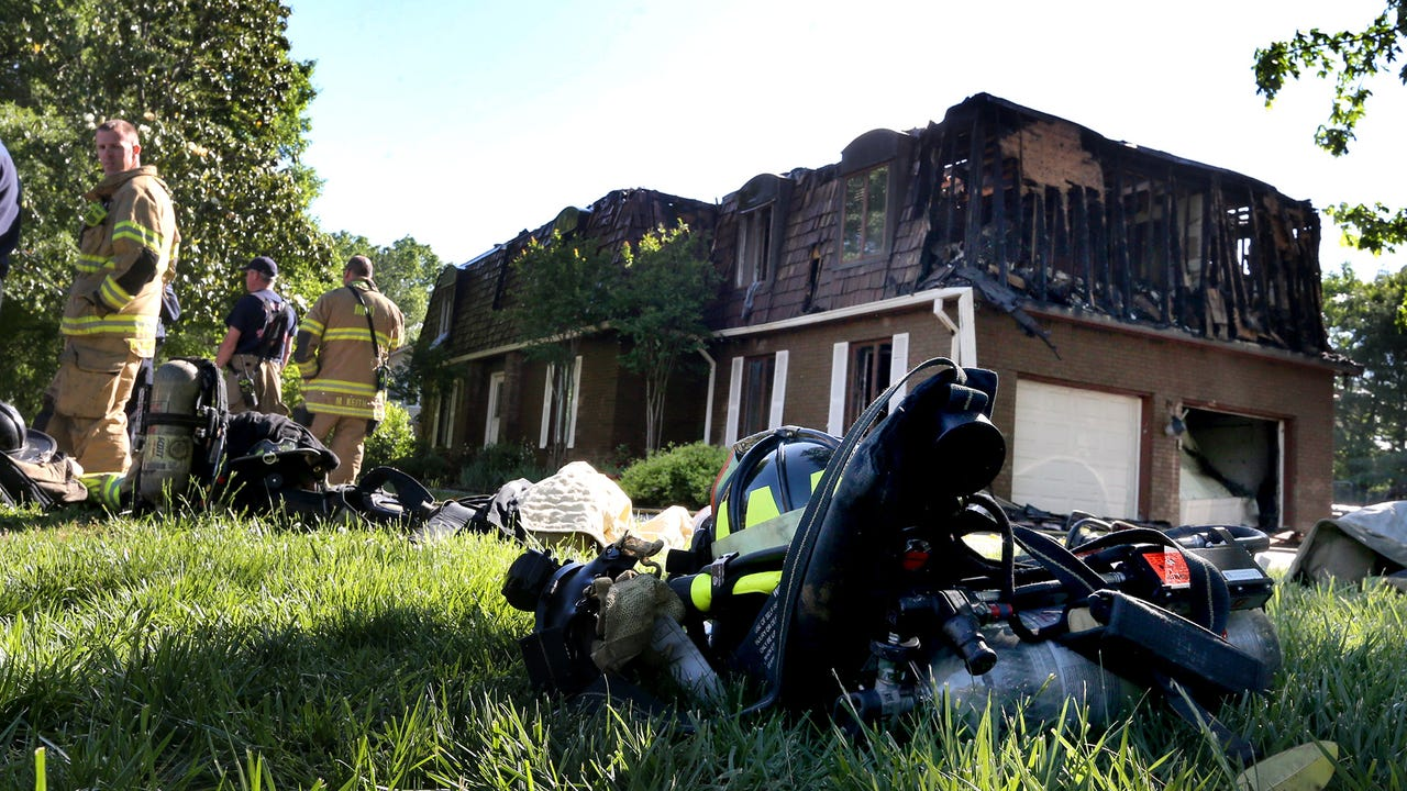 The Murfreesboro Fire Department works a house fire on Georgetown Lane, on thursday May 5, 2016.