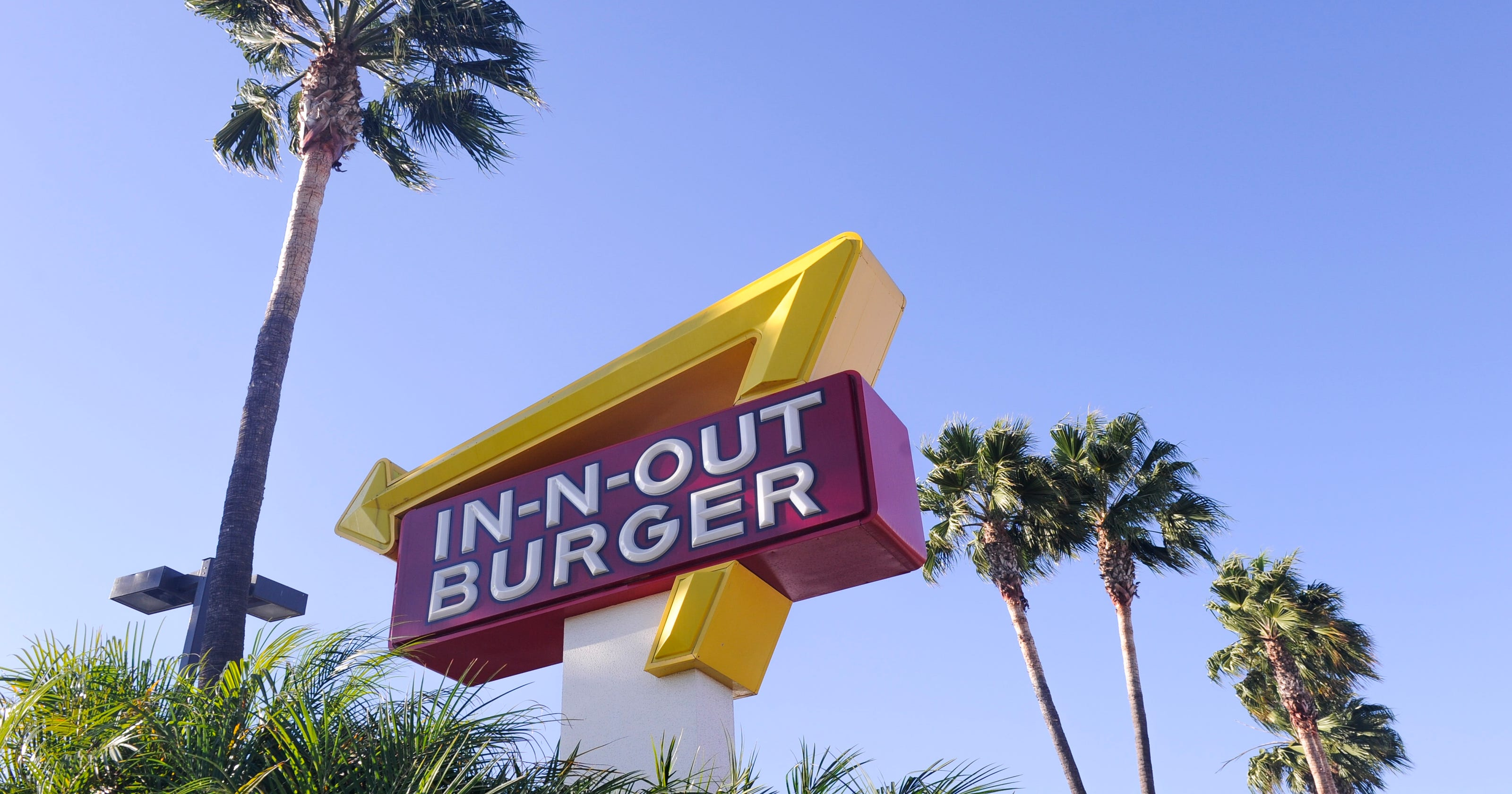 In N Out Burger Donates 25000 To Republican Party Sparking Boycott