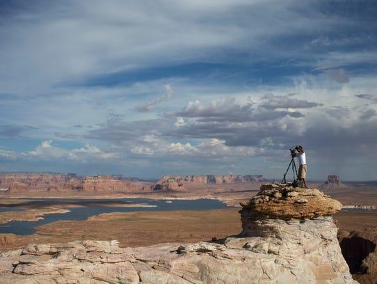 PNI1013-met glen canyon anniversary BIG JUMP