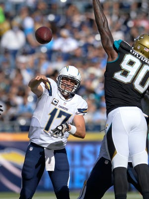 Philip Rivers and the Chargers moved into sole possession of first place in the AFC West.