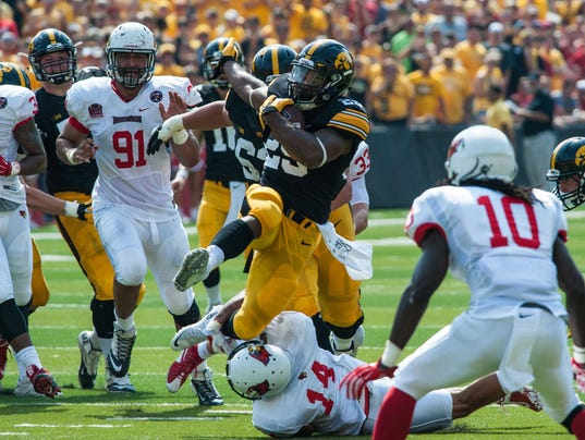 NCAA Football: Illinois State at Iowa