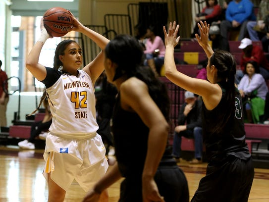 Midwestern State's Whitney Taylor looks for an open