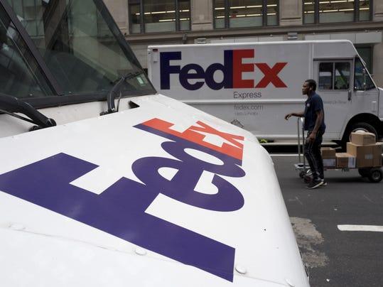 Earns FedEx