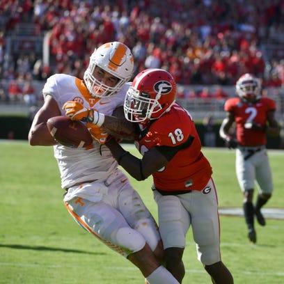 Georgia defensive back Deandre Baker (18) knocks the