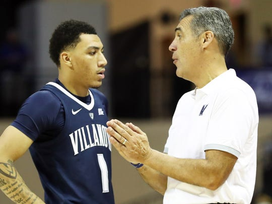 Nov 22, 2018; Kissimmee, FL, USA;Villanova Wildcats head coach Jay Wright talks with guard Jahvon Quinerly (1) during the second half at HP Field House. Mandatory Credit: Kim Klement-USA TODAY Sports