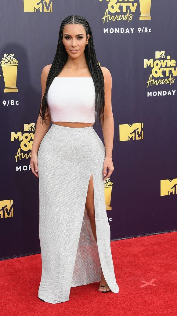 Kim Kardashian West's full look.
