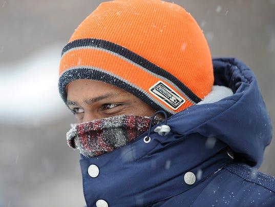 636453279065919239-cold-snow-FILE.jpg