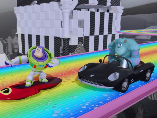 Disney Infinity screen with Sulley and Buzz