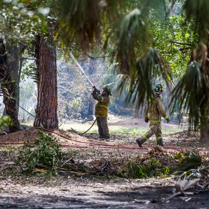 Southwest Florida crews contain a few small wildfires that threatened 10 homes