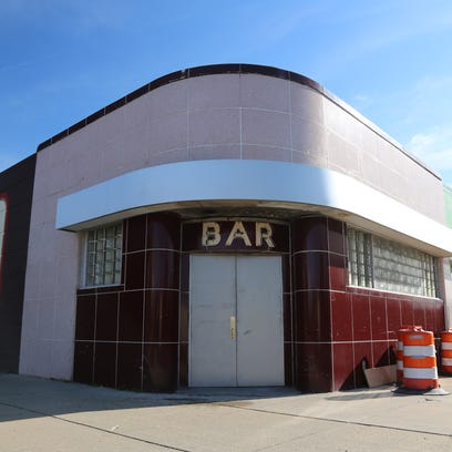 Iconic Willis Show Bar to reopen in Cass Corridor as cabaret and cocktail bar