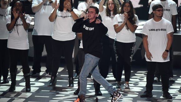 "Logic performs ""1-800-272-8255"" at the MTV Video Music"