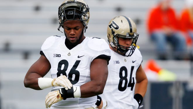 Purdue tight end Gabe Holmes (86) warms up before last week's game against Illinois.