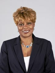 Adriane Saunders, running for Mount Vernon city council