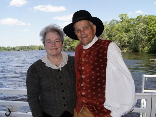 Costumed storytellers and humorists Wayne and Jane