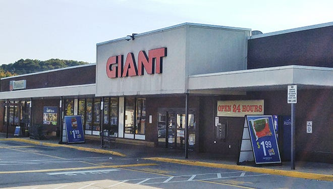 The Giant on West Market Street will close at the beginning of 2017. John A. Pavoncello photo