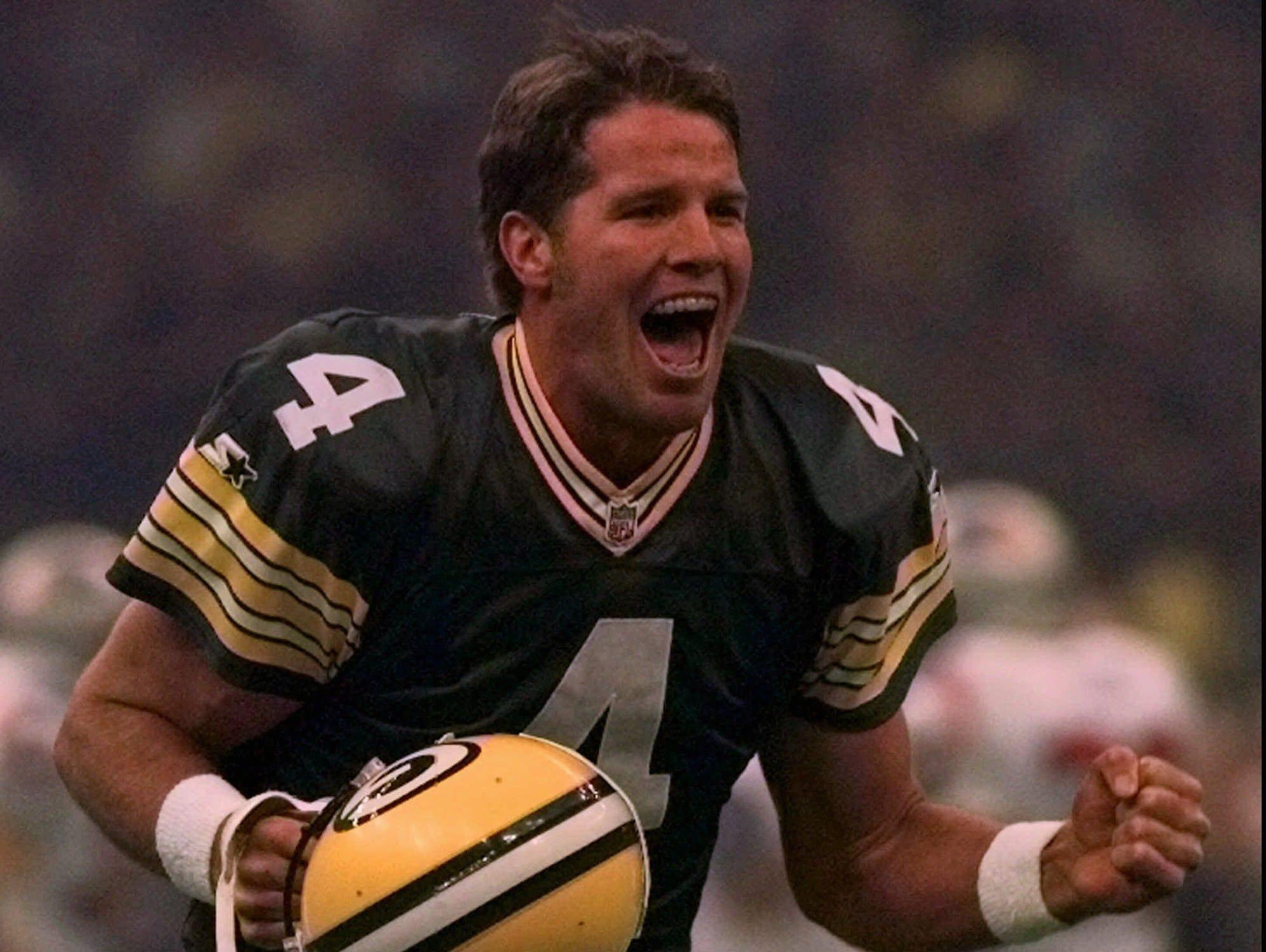Green Bay Packers quarterback Brett Favre celebrates