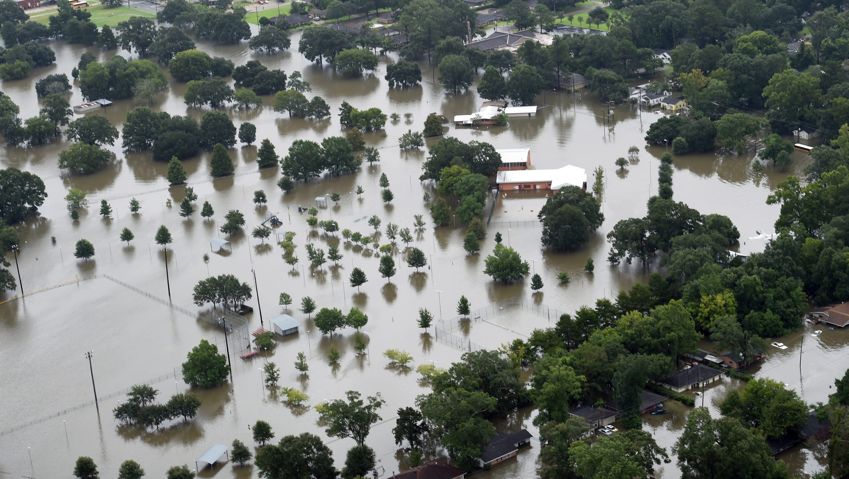 La. flooding death toll at 11; 40,000 homes damaged