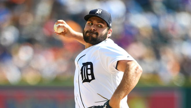 Aug 19, 2017; Detroit, MI, USA; Michael Fulmer pitches during the first inning against the Dodgers at Comerica Park.