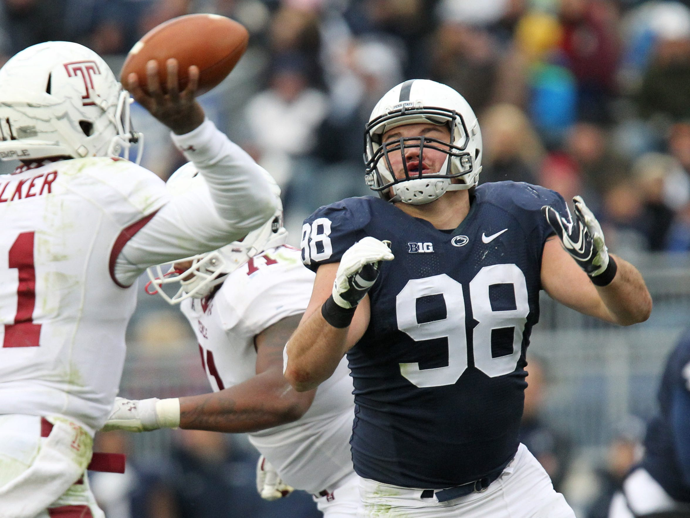Penn State defensive lineman Anthony Zettel (98)