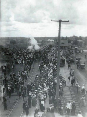 This picture is dated August 10, 1899.  Note that the
