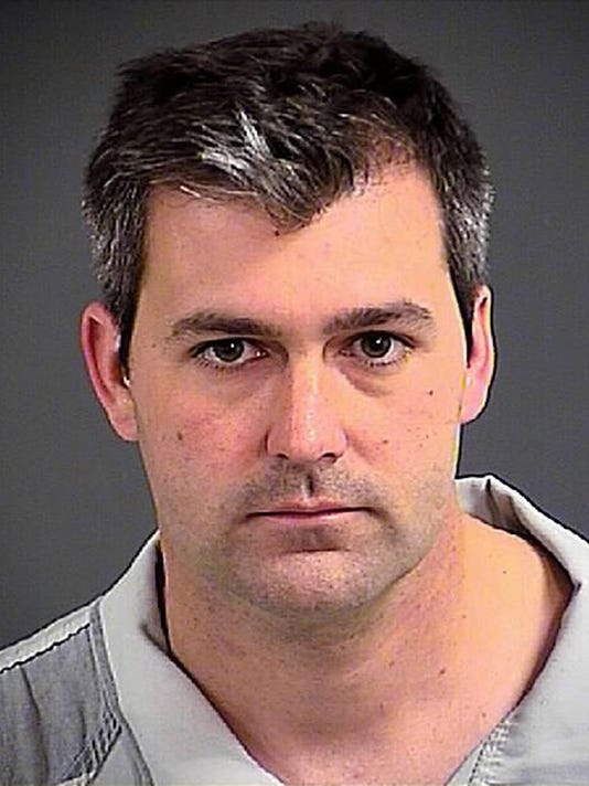 Police officer charged with murder over fatal shooting of Walter Scott