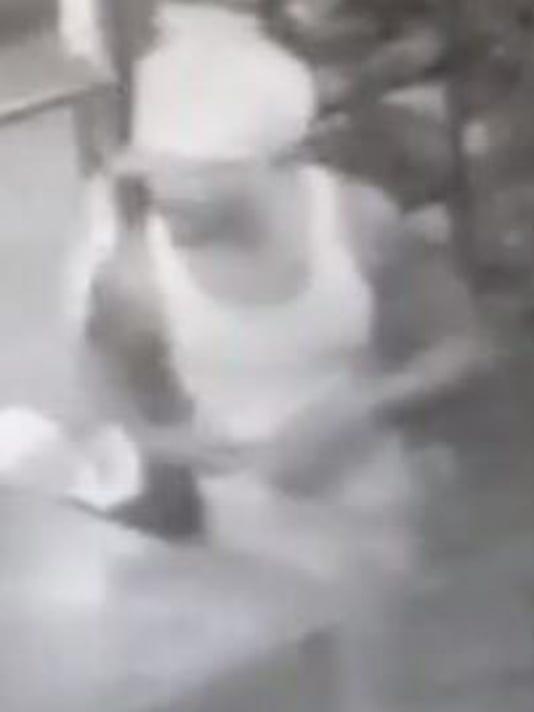 635708264726149414-burglar