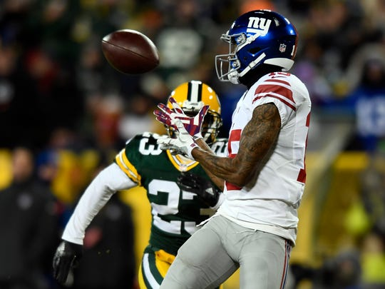 New York Giants wide receiver Tavarres King (15) makes