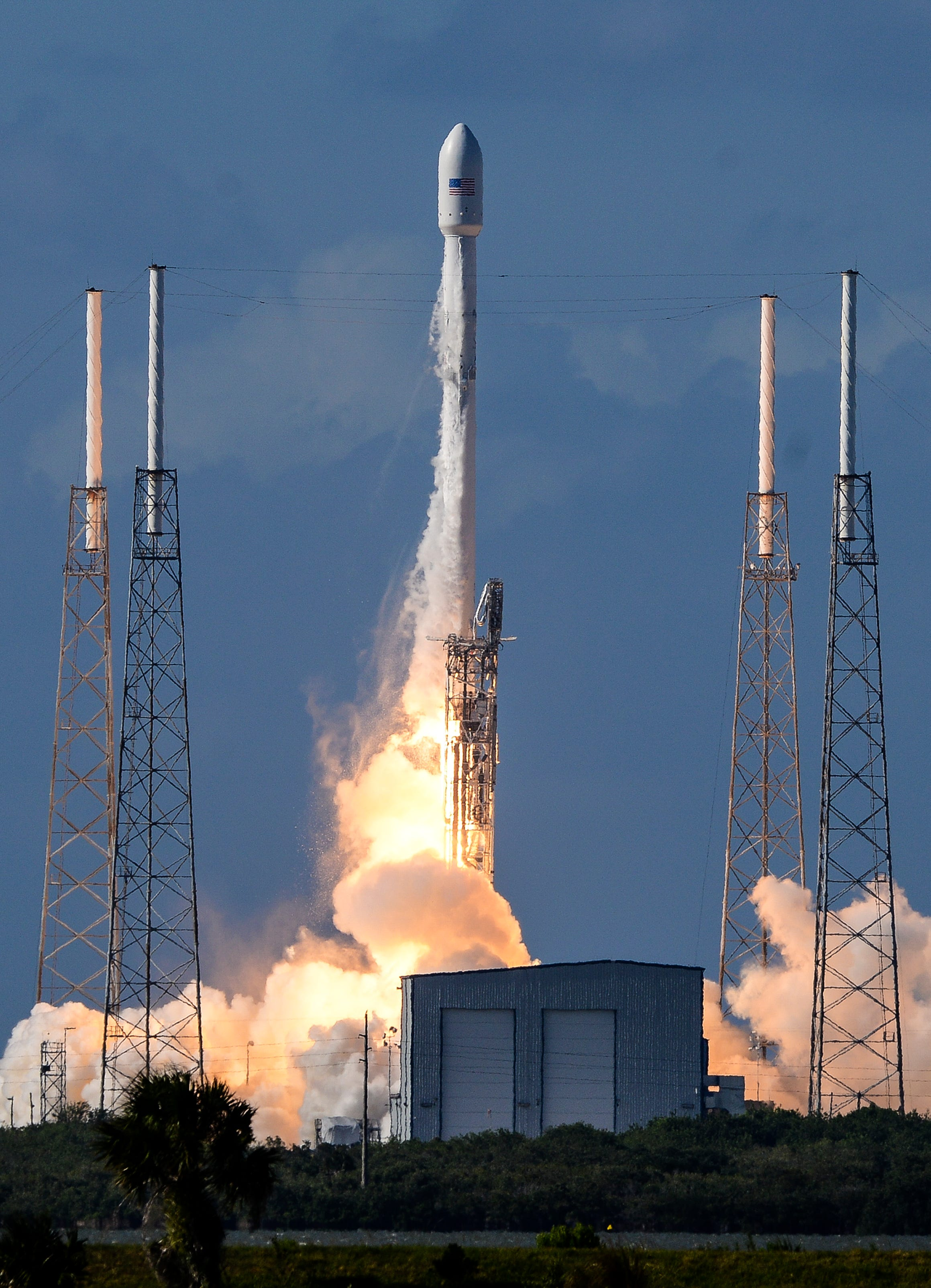 SpaceX lands fourth booster after successful Falcon 9 launch