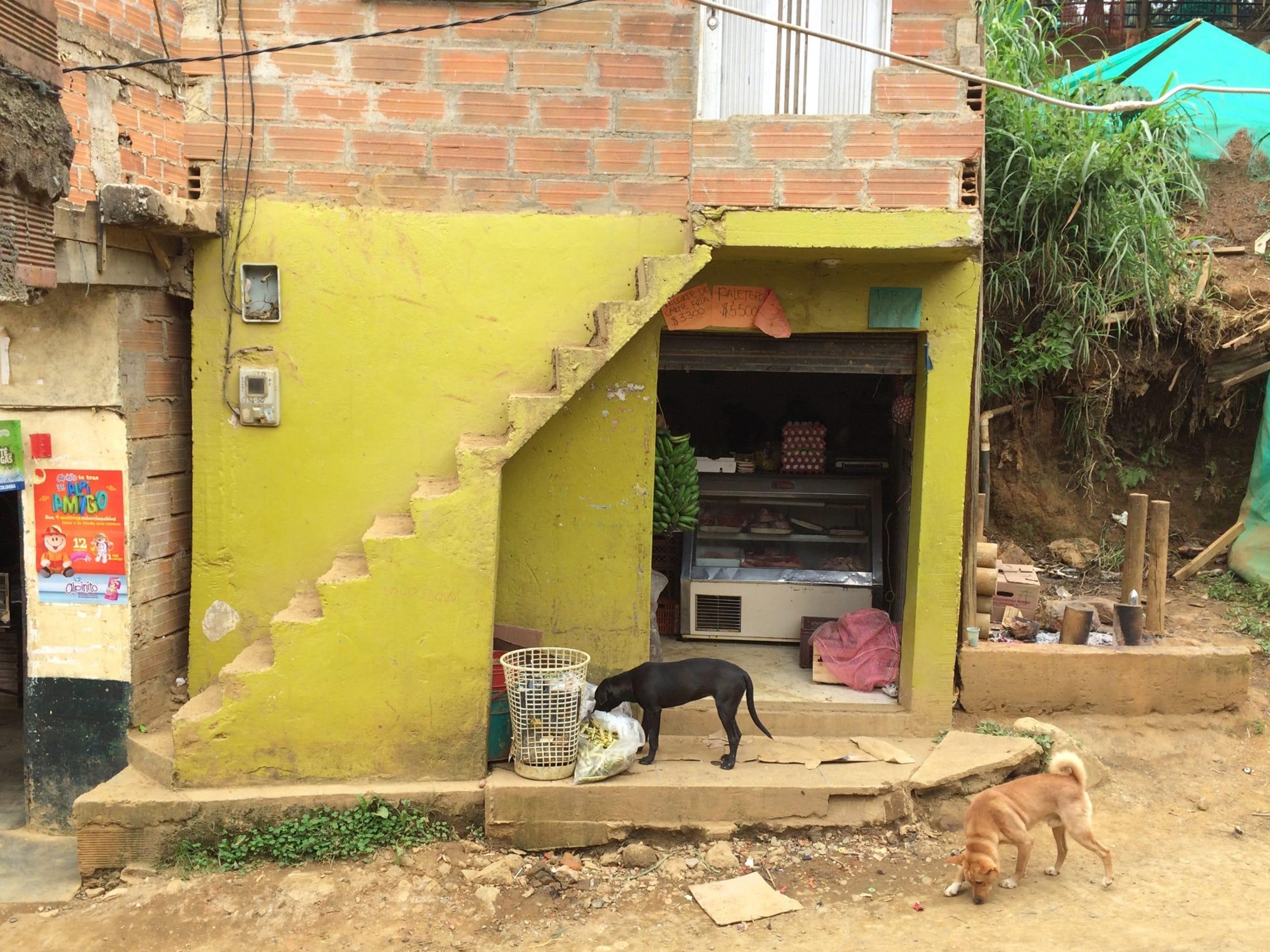 A  tienda, or small store, located in Villatina, La