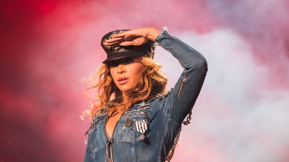 AP BEYONCE AND JAY Z - ON THE RUN TOUR - WINNIPEG A ENT CPAENT CAN MA