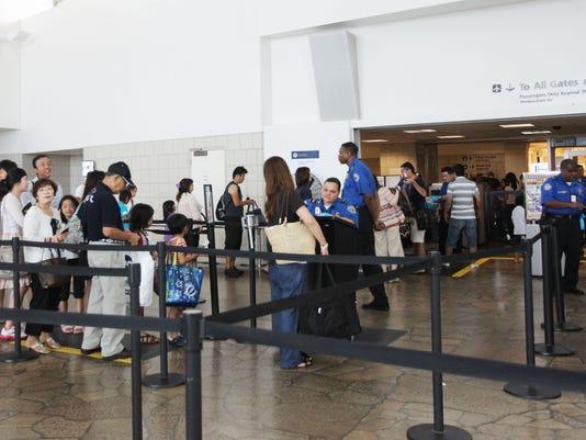 635879019660497184-Airport-TSA-3.jpg