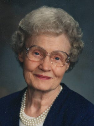 Betty Jean (Bessey) Salmon, 91, of Windsor, died Aug. 23, 2015 at Medical Center of the Rockies in Loveland.