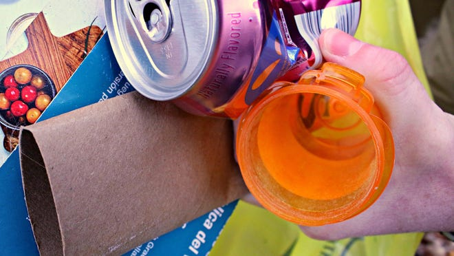 Changes in the world recyclables market requires cleaner and better sorted materials, leading Holland to review and upgrade its long-standing and high-level community efforts.