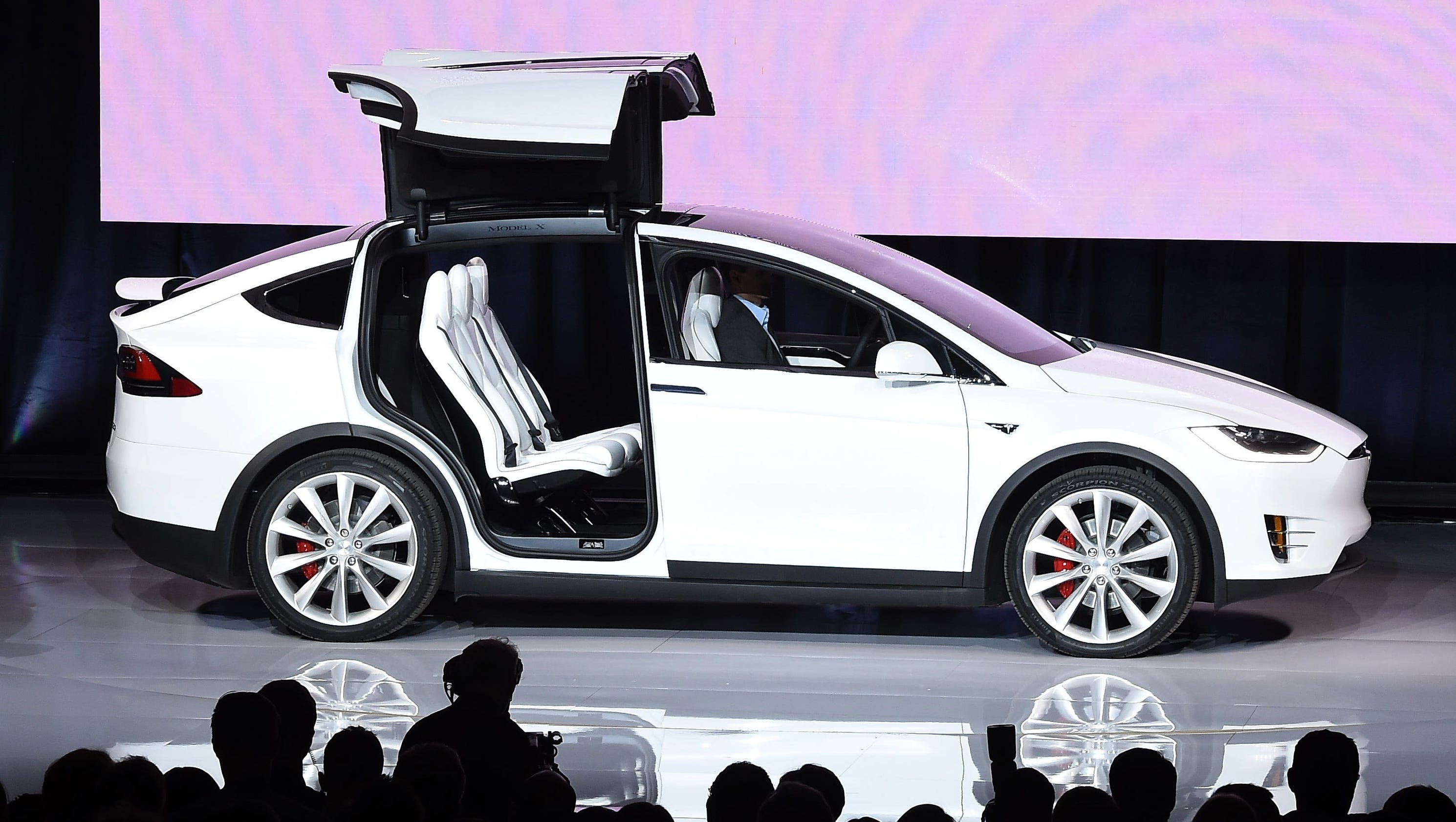 Who Is Liable If A Self Driving Car Crashes Tesla Mishap