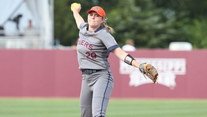 Auburn freshman RHP Makayla Martin throwing a pitch during the 7-1 win over No. 12 LSU in SEC tournament championship game.