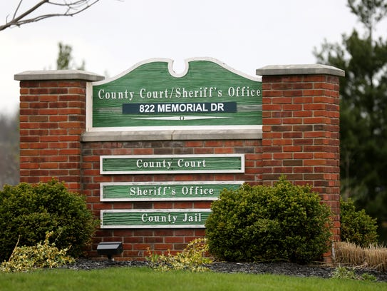 The county court, jail and sheriff's office in Warren