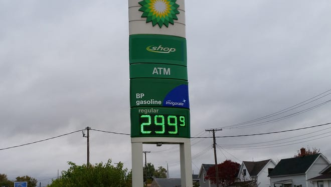 Gas prices dipped to $2.99 at several Muncie stations Saturday  morning.