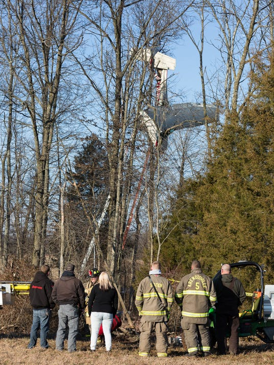Pilot rescued after small plane crashes into trees at Gettysburg Airport