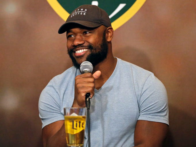 Ty Montgomery and co-host Brett Christopherson welcome