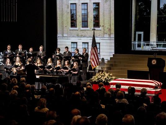 08_memorial service